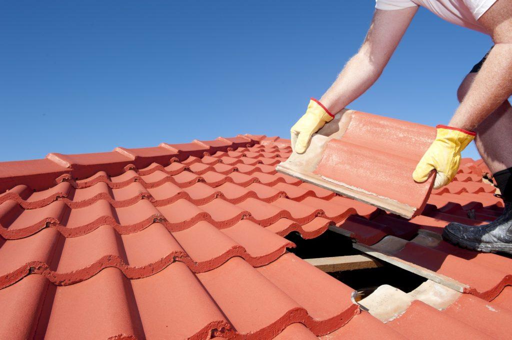 Ремонт покрівлі дахів
